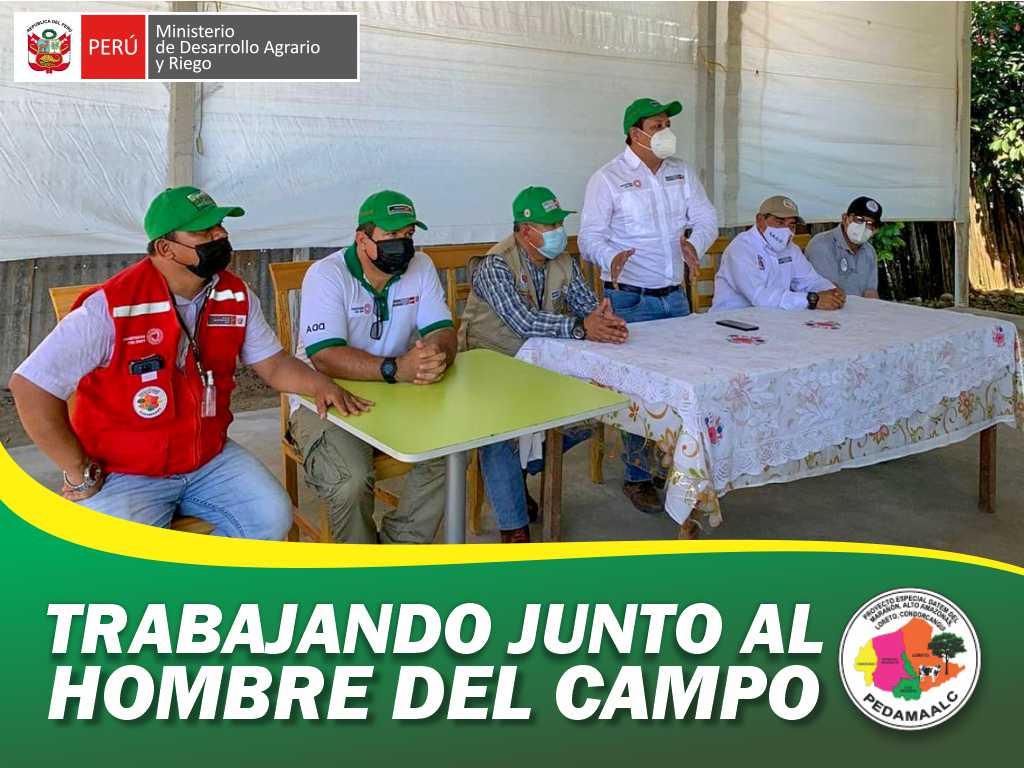 PROMOTORES Y TÉCNICOS DEL PROYECTO GALLINAS CRIOLLAS MEJORADAS QUE EJECUTA EL PEDAMAALC EN 25 COMUNIDADES DEL DISTRITO DE URARINAS. PARTICIPARON DE PASANTÍA DE REFORZAMIENTO DE CAPACIDADES E INTERCAMBIO DE EXPERIENCIAS EN LA REGIÓN SAN MARTÍN.
